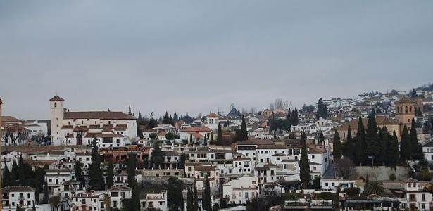 Vista de Albaicín a partir da Alhambra, em Granada