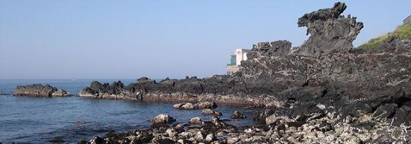 Pedra Yong Du-am, na ilha coreana de Jeju - Tem o formato de um dragão.