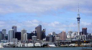 Sky Tower - Auckland - Nova Zelândia - Com 328 metros de altura constitui a estrutura mais alta do Hemisfério Sul e uma das torres mais altas da atualidade.