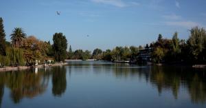 Vista do Parque San Martín, em Mendoza. O local abriga 500 mil árvores e é considerado uma das áreas mais verdes da já arborizada cidade de Mendoza Eduardo Vessoni/UOL