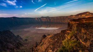 Cratera vulcânica de Al Wahbah - As belezas da Arábia Saudita